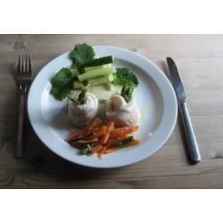 Dampet rødtunge med asparges, gulerodsstave mv